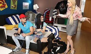 Blonde together with brunette hotties trample fail the guy's back