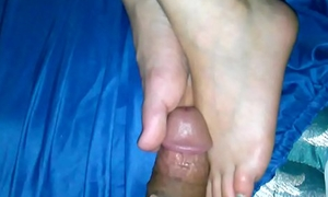 Sleepy Legs Cumshot