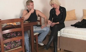 Old blonde rides her neighbor big flannel