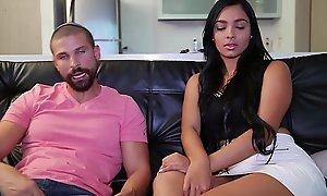 Big bore colombian valery santos films her 1st porno (cff15531)