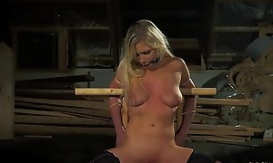 Teen serfdom intercourse slave pleasing her master'_s whip