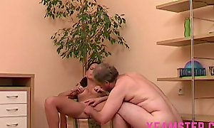 Amateur stepdaughter droop wide-ranging ejaculation over have a crush on bubbles & face after marital-device & ramrod fuck