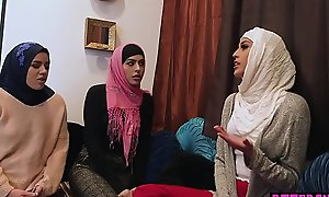 Muslim teen bride and BFFs fuck a BBC at unsullied party
