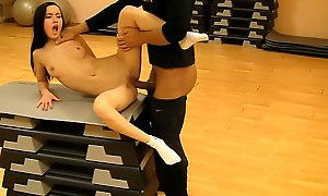 Hot pick up ungentlemanly fucked in along to gym