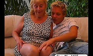 Teen defy fuckes a sexy gilf
