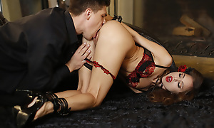 Horny Riley Reid gives her man a leash and bondage gear to use in their fuckfest as he goes to big apple on her succulent pussy