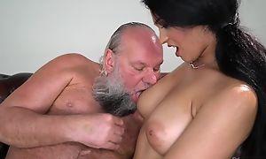 Pretty brunette with heavy naturals fucks an procreate